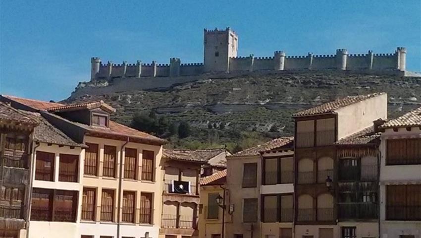 Castillo Peñafiel en ribero del duero - Tiqy, Winery Route to Ribera del Duero