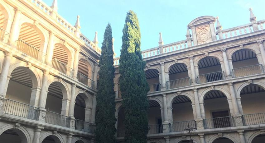 Famous museum in city - tiqy, Winery Tour for Literature Lovers