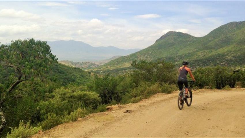 Zapotrek Personas de las Nubes ciclista, Cloud's People Adventure Tour