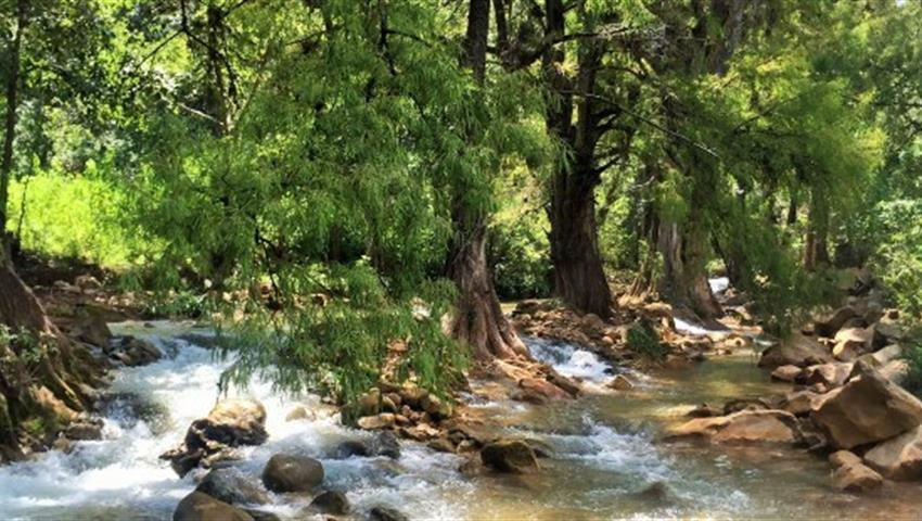 zapotrek southern sierra river,  Tour to the Caves of the Southern Sierra